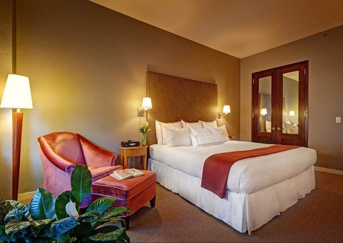 Our Classic Guestroom with 1 King Bed is spacious and also offers handicap accessible rooms and barrier free bathrooms if needed!