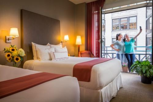 Traveling with Friends or Family? Our Guestrooms with 2 Queen Beds have ample space for up to 4 travelers!