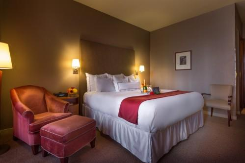 A majority of our guestrooms all have King Size Beds! Enjoy a comfortable night's sleep on our pillow-top mattresses.
