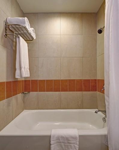 All of our Balcony King Suites are equipped with bathtub/shower combinations.