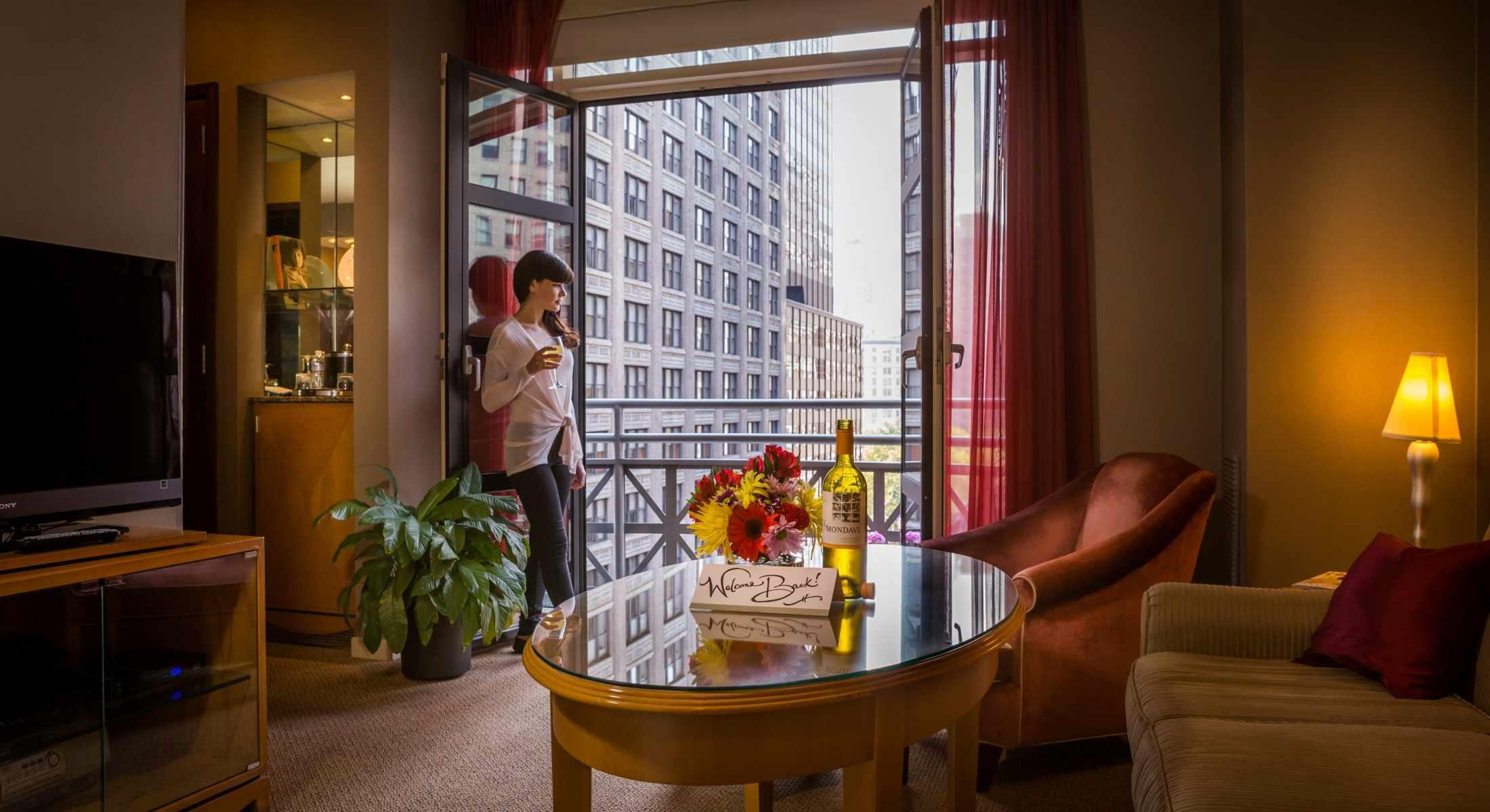 Our Balcony King Suites all offer charming Juliet Balconies. Enjoy views of Park Avenue South.